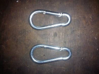 Pair of carabiner hooks